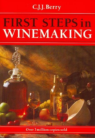 9781854861399: First Steps in Winemaking