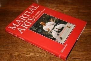 9781856050579: Martial Arts: A Complete Illustrated History