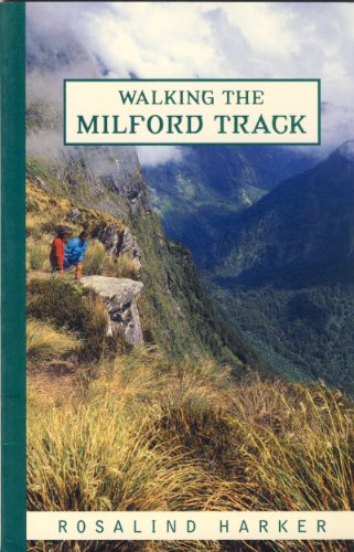 9781869587963: Walking the Milford Track