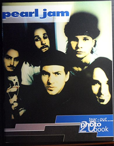 9781870049788: Pearl Jam ; Tear-Out Photo Book