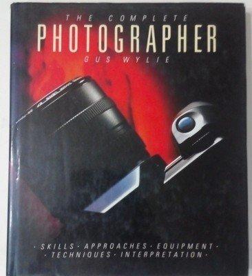 9781871307603: Complete Photographer H/B