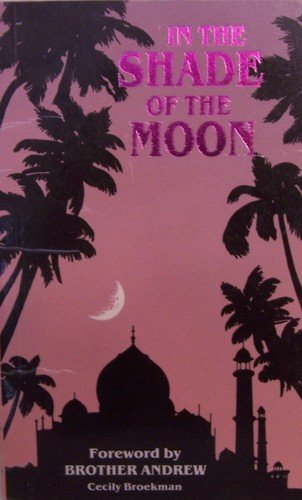 9781874811046: In The Shade of The Moon