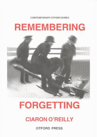 9781876928308: Remembering Forgetting: A Journey of Non-violent Resistance to the War in East Timor