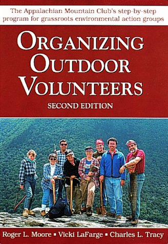 9781878239167: Organizing Outdoor Volunteers