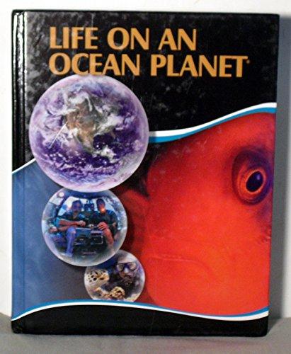 9781878663603: Life on an Ocean Planet