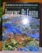 9781878685162: Looking at Earth