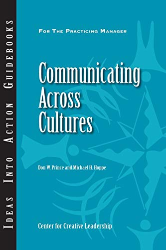 9781882197590: Communicating Across Cultures