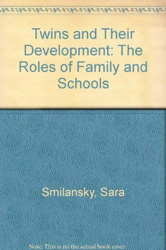 9781882326013: Twins and Their Development: The Roles of Family and Schools