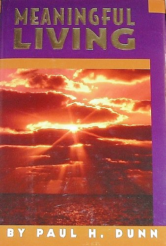 9781882723331: Meaningful Living