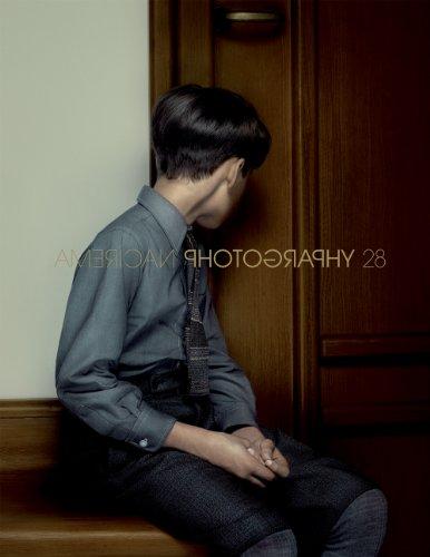 9781886212381: American Photography 28