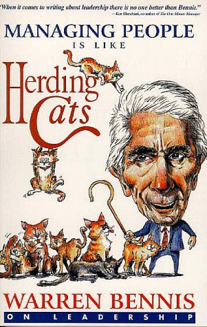 9781890009618: Managing People Is Like Herding Cats: Warren Bennis on Leadership