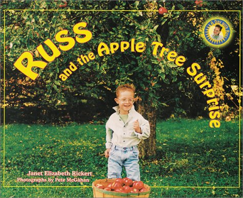 9781890627164: Russ and the Apple Tree Surprise (Day with Russ)