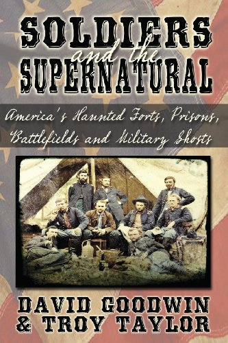 9781892523877: Soldiers and the Supernatural