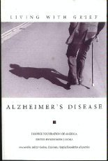 9781893349056: Living With Grief: Alzheimer's Disease