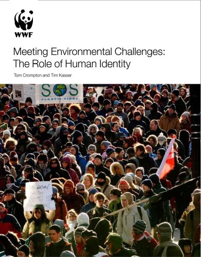 9781900322645: Meeting Environmental Challenges: The Role of Human Identity