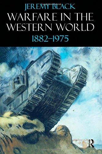 9781902683430: Warfare in the Western World, 1882-1975