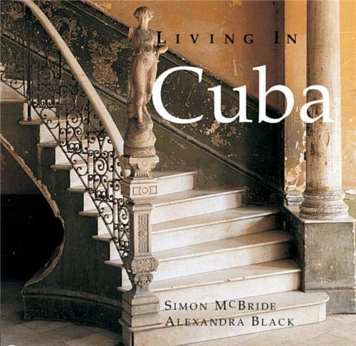 9781902686301: Living in Cuba
