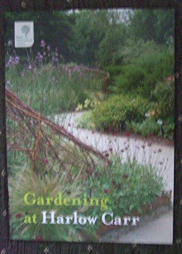 9781902896540: Gardening at Harlow Carr