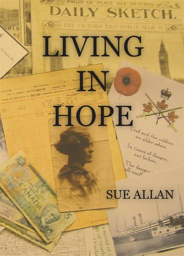 9781906070144: Living in Hope