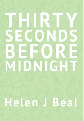 9781909354012: Thirty Seconds Before Midnight