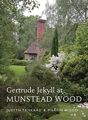 9781910258057: Gertrude Jekyll at Munstead Wood (A Pimpernel Garden Classic)
