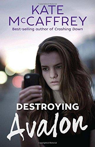 9781921064579: Destroying Avalon