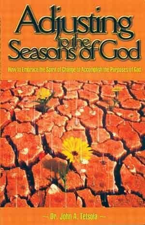 9781929620111: Adjusting to the Seasons of God
