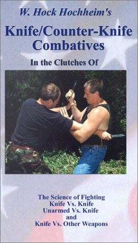 9781932113181: In the Clutches Of [VHS]