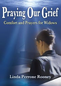 9781933066097: Praying Our Grief: Comfort and Prayers for Widows