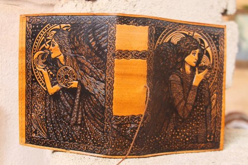 9781936131198: Angel of the Stars Journal
