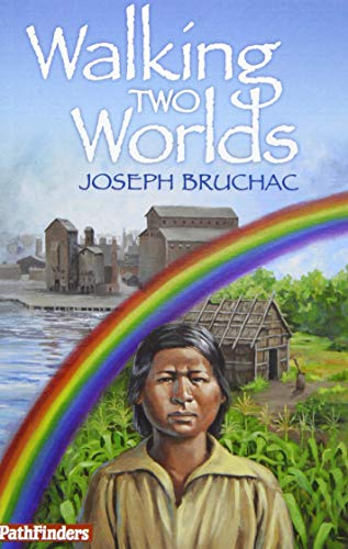 9781939053107: Walking Two Worlds (PathFinders)