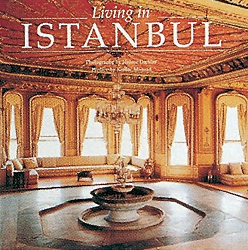 9782080135636: Living in Istanbul