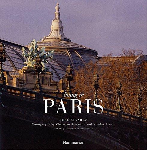 Living In Paris (New Edition) (Living in. Series): Alvarez, Jose
