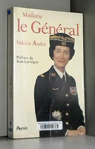 9782262005245: Madame le Général (French Edition)