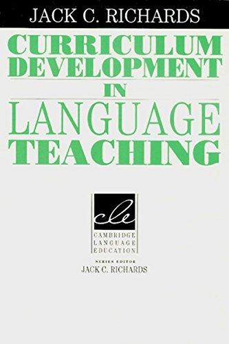 9783125334366: Curriculum Development in Language Teaching
