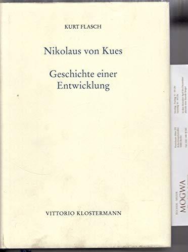 9783465027058: Nikolaus von Kues. Geschichte einer Entwicklung. Vorlesungen zur Einführung in seine Philosophie.