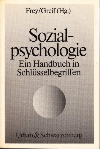 9783541102419: Sozialpsychologie. Ein Handbuch in Schlüsselbegriffen.
