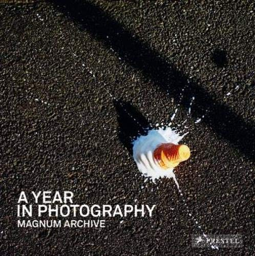 9783791344355: A Year in Photography: Magnum Archive