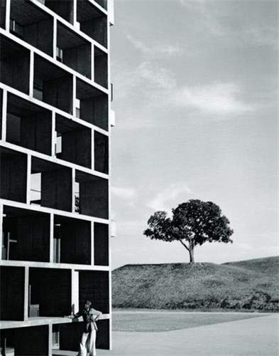 9783791381152: Constructing Worlds: Photography and Architecture in the Modern Age