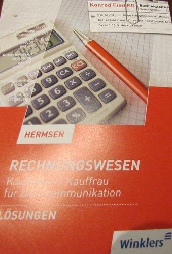 9783804566354: Rechnungswesen Kaufmann/Kauffrau f�r B�rokommunikation L�sungen
