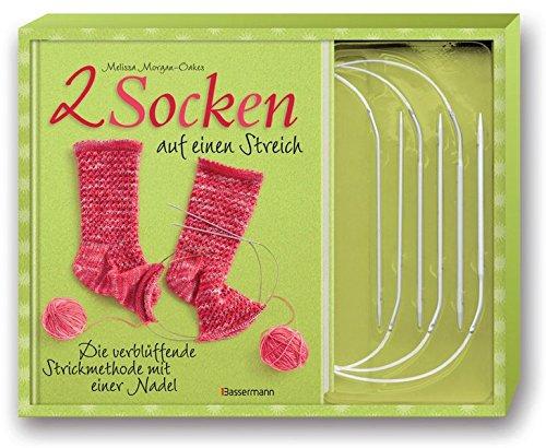 9783809480402: Zwei Socken auf einen Streich-Set: Die verblüffende Strickmethode mit einer Nadel. Buch und 3 Rundstricknadeln