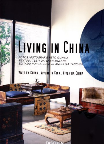 9783822842768: Living in China (Jumbo)