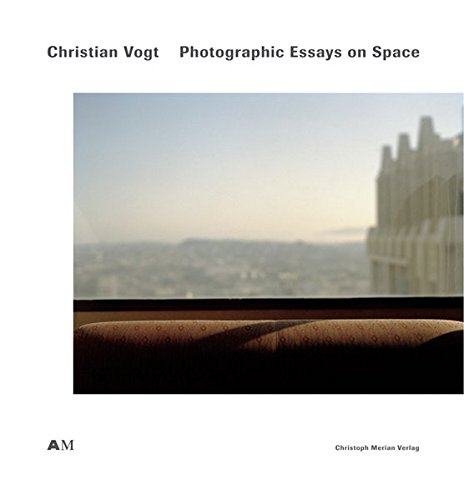 9783856162832: Christian Vogt: Photographic Essays on Space