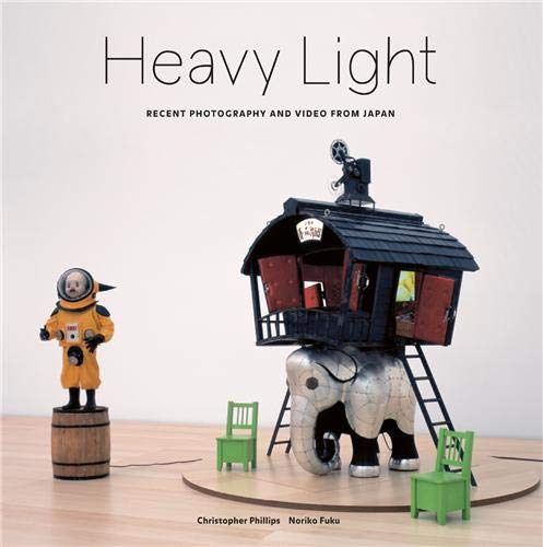 9783865216236: Heavy Light: Recent Photography and Video from Japan
