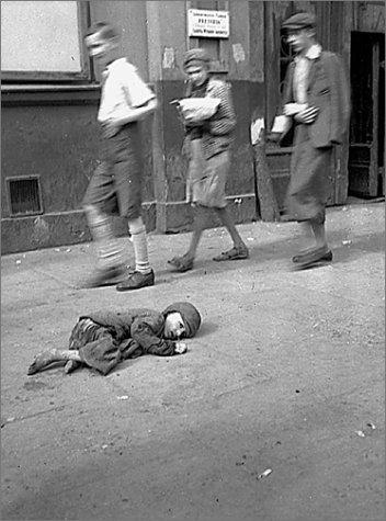 IN THE GHETTO OF WARSAW: HEINRICH JOST'S PHOTOGRAPHS.: Schwarberg, Gunther.