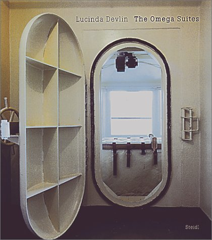 9783882437591: Lucinda Devlin:The Omega Suites: The Omega Suites (Steidl collectors books)