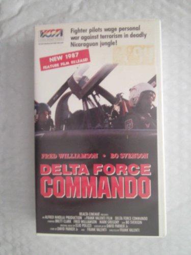 9785551038917: Delta Force Commando [VHS]