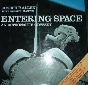 9785551223818: Entering Space: An Astronaut's Odyssey