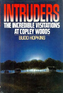 9785551898450: Intruders: The Incredible Visitations at Copley Woods