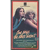 9786302795400: One Sings, the Other Doesn't [VHS]